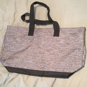 PINK Victoria's Secret Bags - Brand new never been used Victoria's Secret duffel